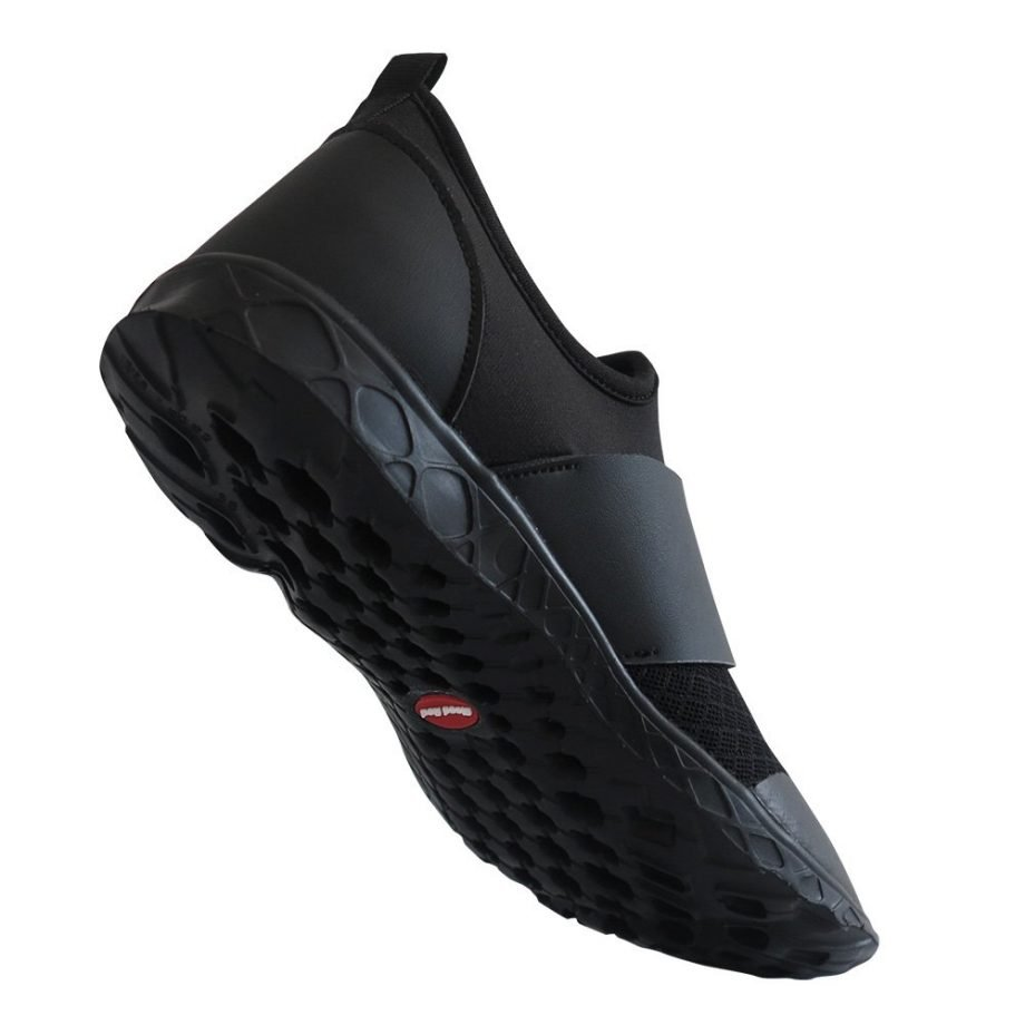black aqua shoes with self draining sole