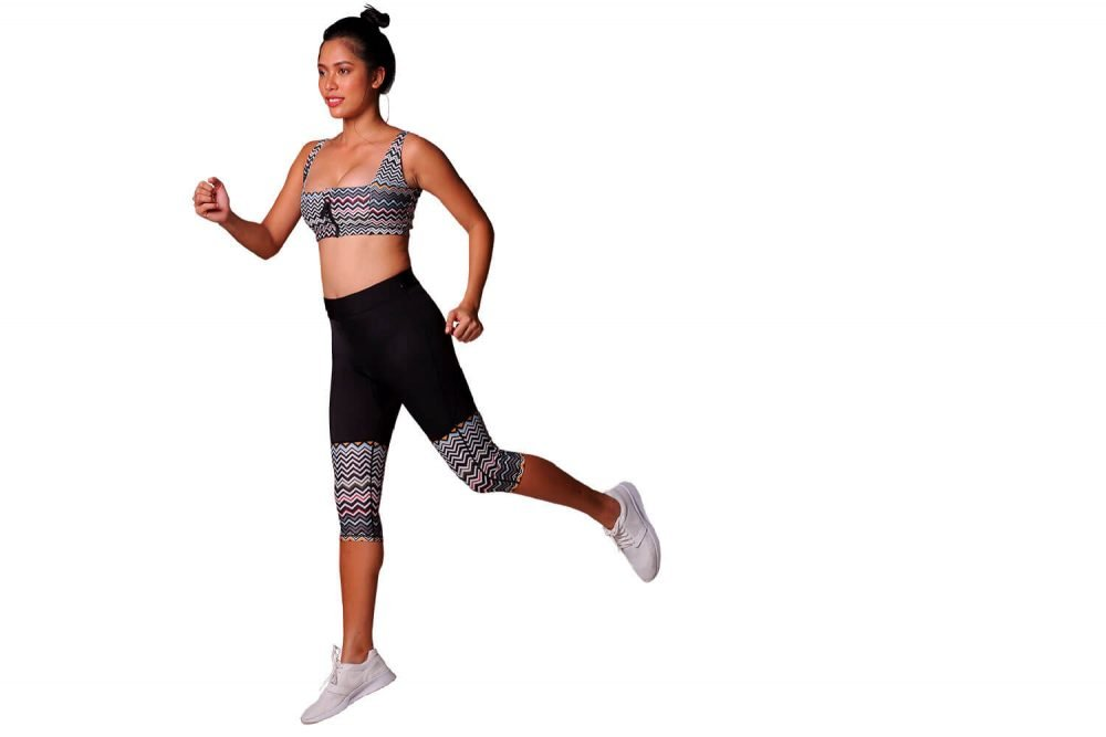 althleisure wear outfit Apnea swim top, Kalis cropped leggings
